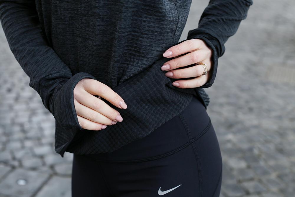 come vestirsi per andare a correre in inverno Nike